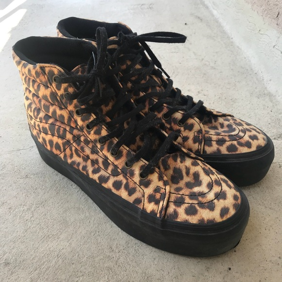 2d538ff8b39cb2 Vans Sk8 Hi Leopard Platform Sneakers. M 5b60cabd34e48a1f01175c73